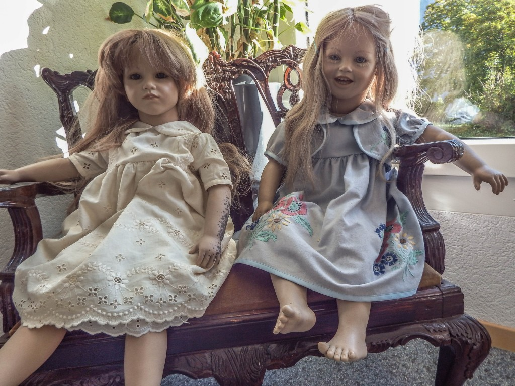 esters guesthouse gimmelwald dolls
