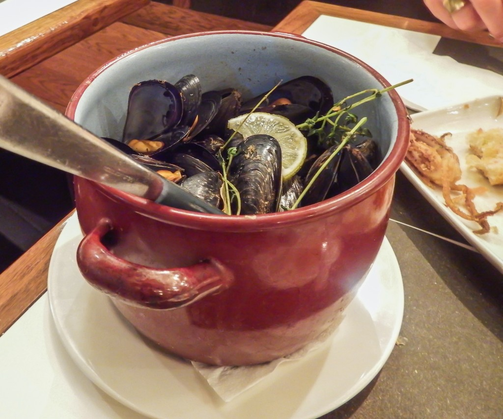 Mussels at Taller de Tapas in the Gothic Quarter of Barcelona, Spain